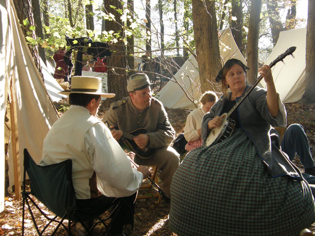 Civil war musicians playing around the camp | chloesblog.com
