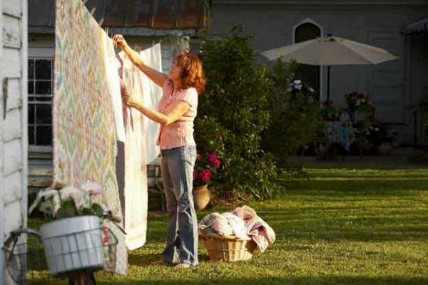 Washington Post article shows Innkeeper at Big Mill B&B conserves energy by hanging clothes on clothesline | big-mill-clothesline-and-the-washington-post