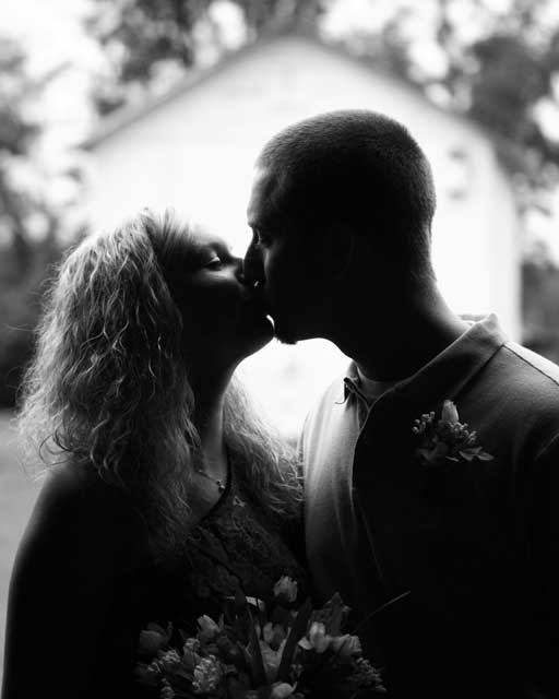Romantic wedding near Greenville at Big Mill Inn
