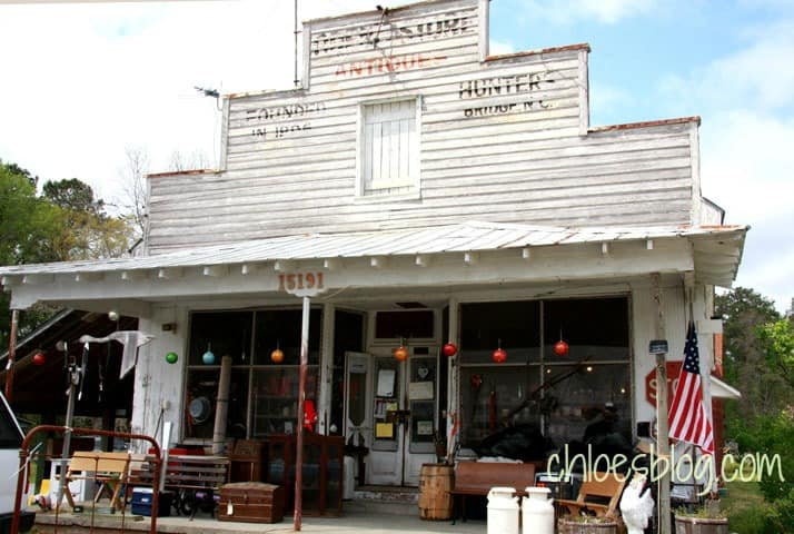 Visit Oden's Store and Antiques near Bath NC -- full of treasures and the charms of the old South | chloesblog.com