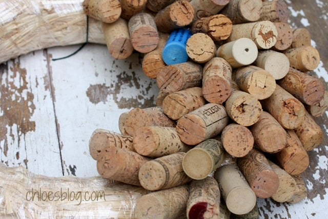 Find instructions on how to make a Cork Wreath for holiday decorations | Chloesblog.bigmill.com
